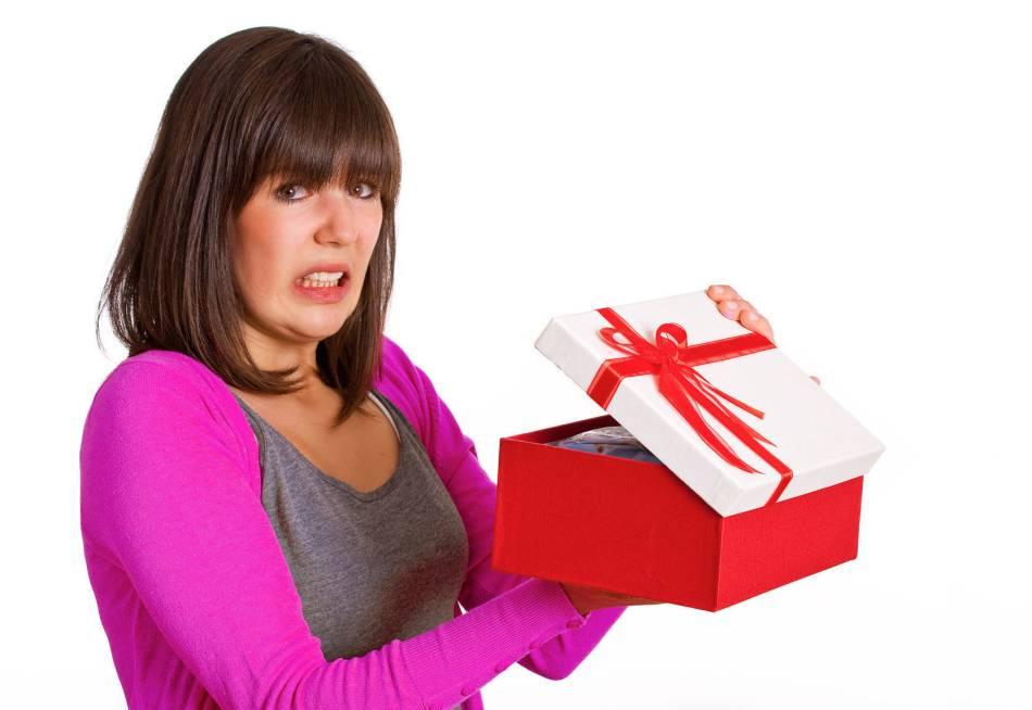 Народные приметы о том, что нельзя дарить на день рождения