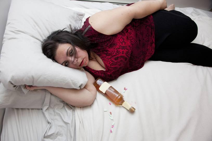 К чему снится пьяный по соннику? видеть во сне пьяного  - толкование снов.