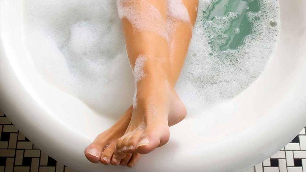 К чему снится мыть ноги?