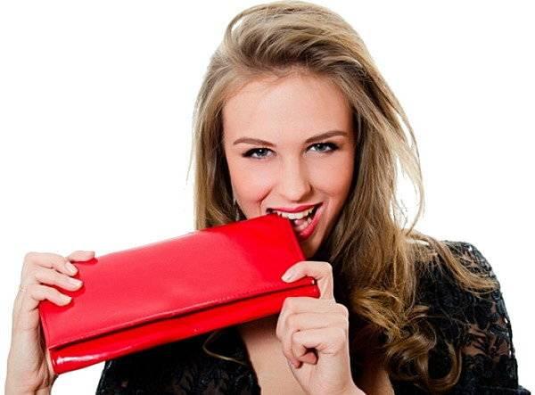Как выбрать новый кошелек по цвету и размеру, чтобы деньги водились: советы фен шуй