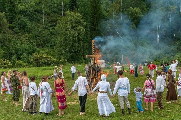 Праздник лугнасад в 2021 году: когда празднуют и какие ритуалы существуют