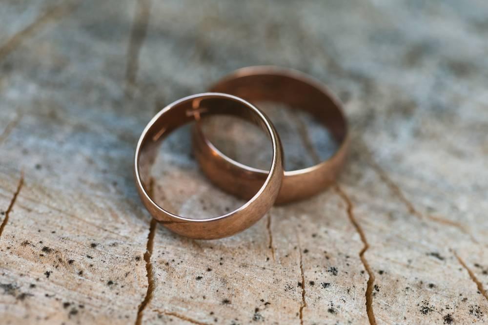История обручальных колец: что означают и символизируют свадебные кольца