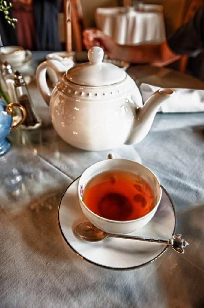 Гадание на чае и чаинках: способы. как гадать на чае. толкование