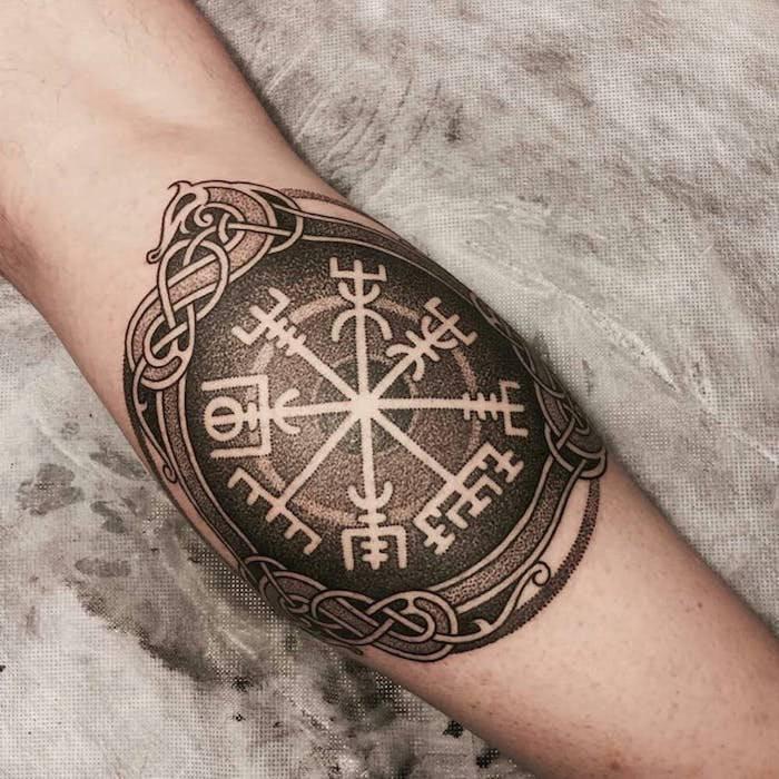 Рунический компас вегвизир - значение оберега, тату, кому подходит