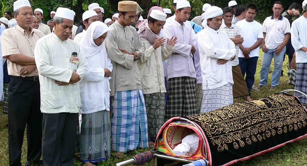 Традиции католических похорон. в чем их отличие от православных традиций и как они проводятся.