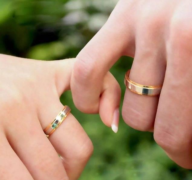 Можно ли носить обручальное кольцо до свадьбы: свадебные приметы и суеверия