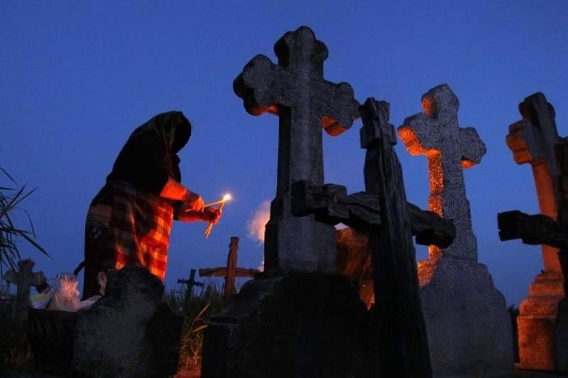 Кладбищенский приворот на мужчину по фото: как сделать и понять, что действует