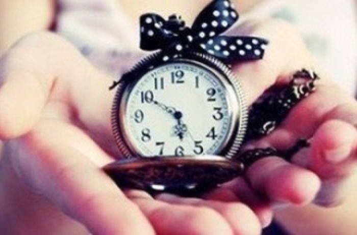 Почему часы считаются плохим подарком и как обойти примету