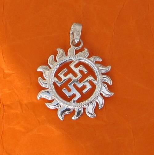 Цветок папоротника оберег: значение славянского символа для женщин и мужчин, фото тату, различия между ним и одолень травой