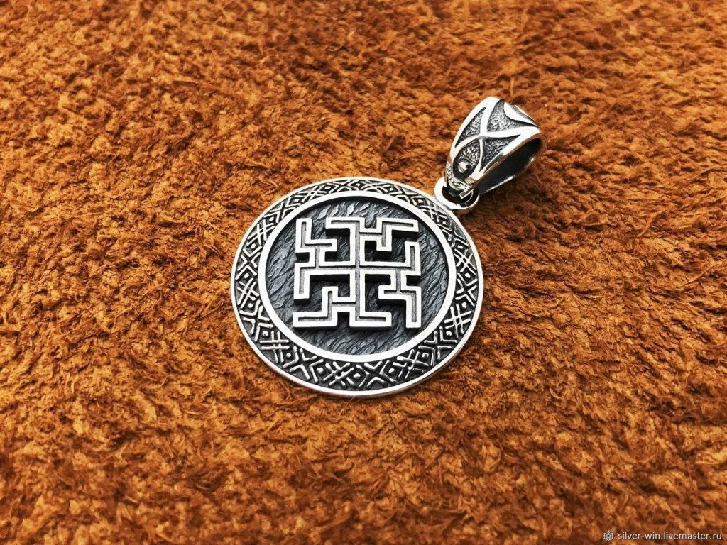 Самые мощные талисманы и обереги: славянские, камни, молитвы