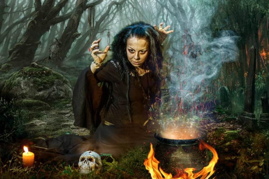 Знак ведьмы на ладони у женщины: 9 признаков настоящей колдуньи