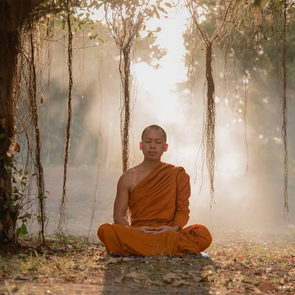 Как медитируют тибетские монахи — практики в традиции гелуг