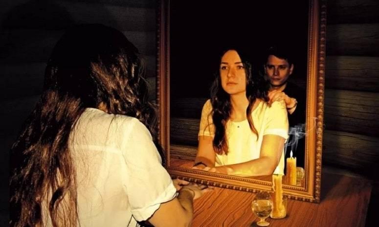 Гадание на суженого ряженого: когда гадать, правила, бесплатные, в домашних условиях, на картах, на имя, во сне, на зеркале, на расческе.