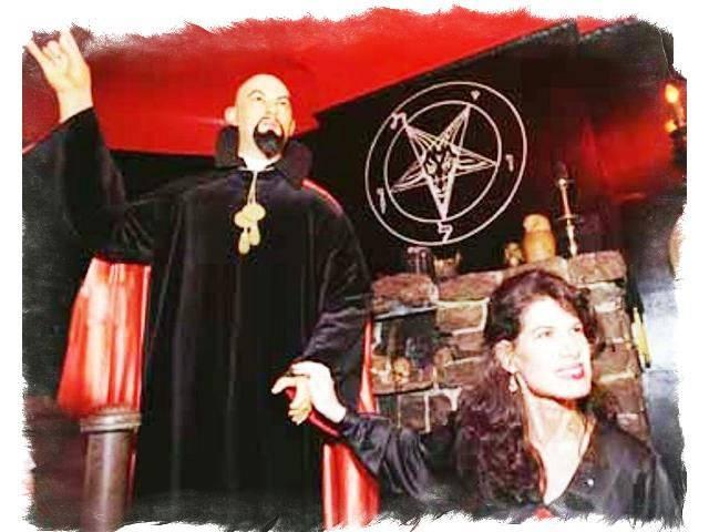 Сатанинская Библия Антона Лавея и биография жреца Сатаны