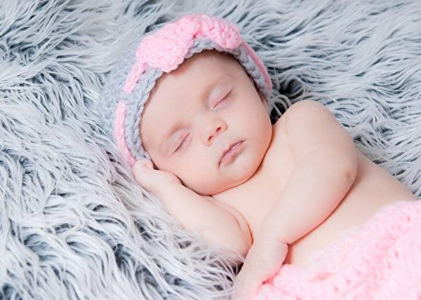 К чему снится младенец-девочка?
