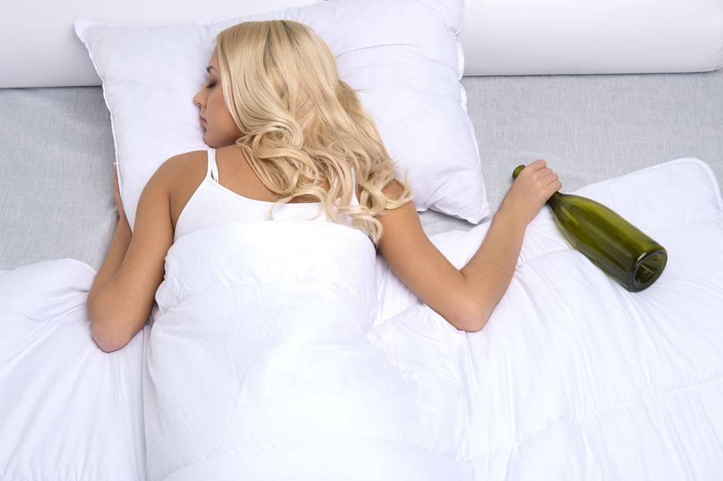 Видеть во сне себя пьяной - к чему? толкования разных сонников