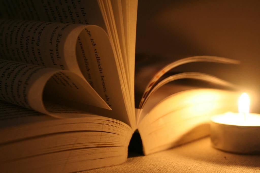 Гадания на любовь на бумаге: подборка из трёх вариантов ритуалов