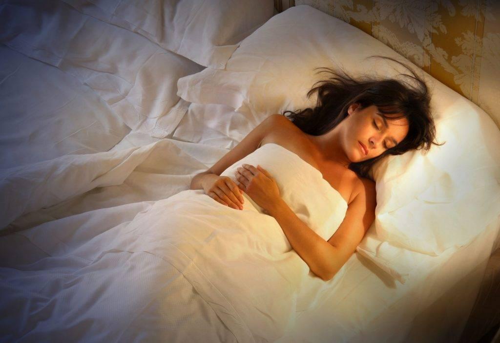 К чему снится девушка женщине или мужчине - толкование сна по сонникам