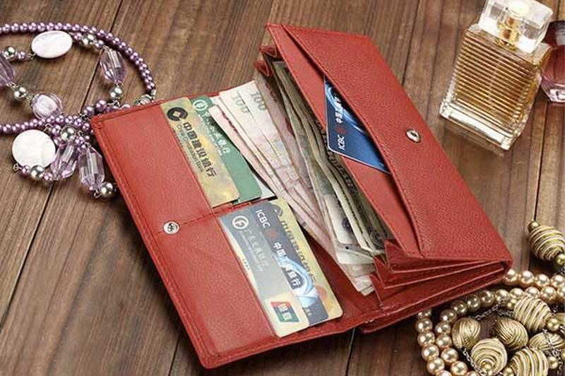 Какой цвет кошелька должен быть для привлечения денег?