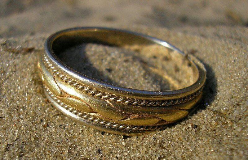 Муж потерял обручальное кольцо: приметы, что делать — полезные материалы на корпоративном сайте «русские самоцветы»
