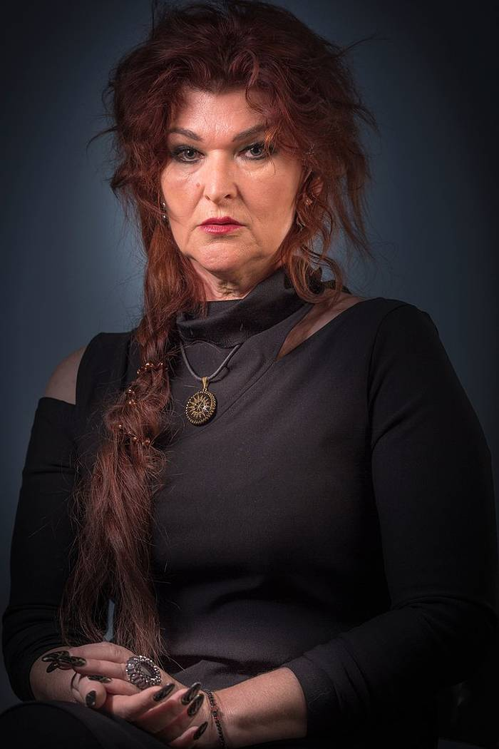 Марина зуева — ведьма или шарлатанка на битве экстрасенсов   321news.ru - все новости на раз два три