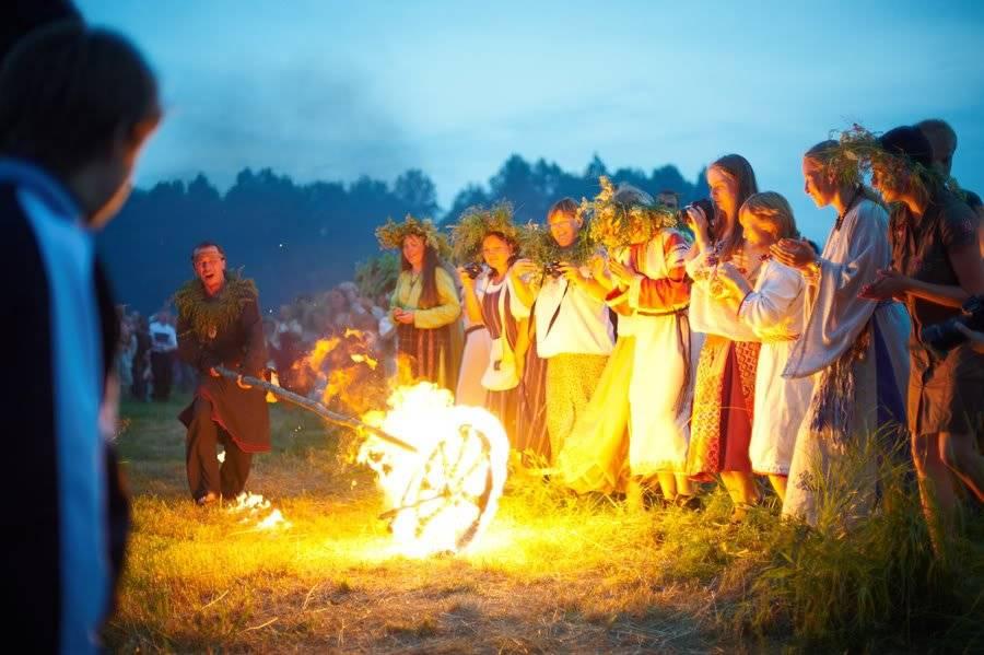Как хоронили древние славяне на руси до принятия христианства