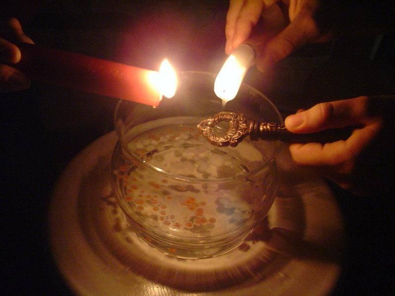 Святочные гадания: сроки, виды, конкретные ритуалы