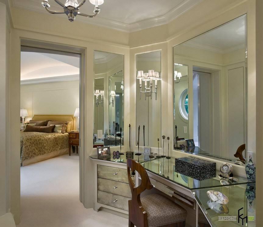 Куда лучше повесить зеркало по фен шуй: в спальне нельзя, в прихожей— обязательно!