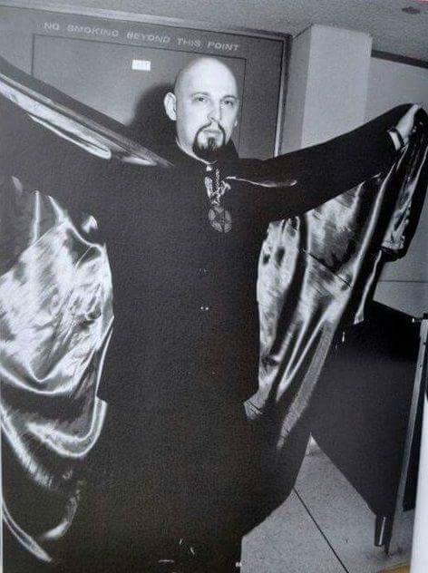 Лавей, антон шандор