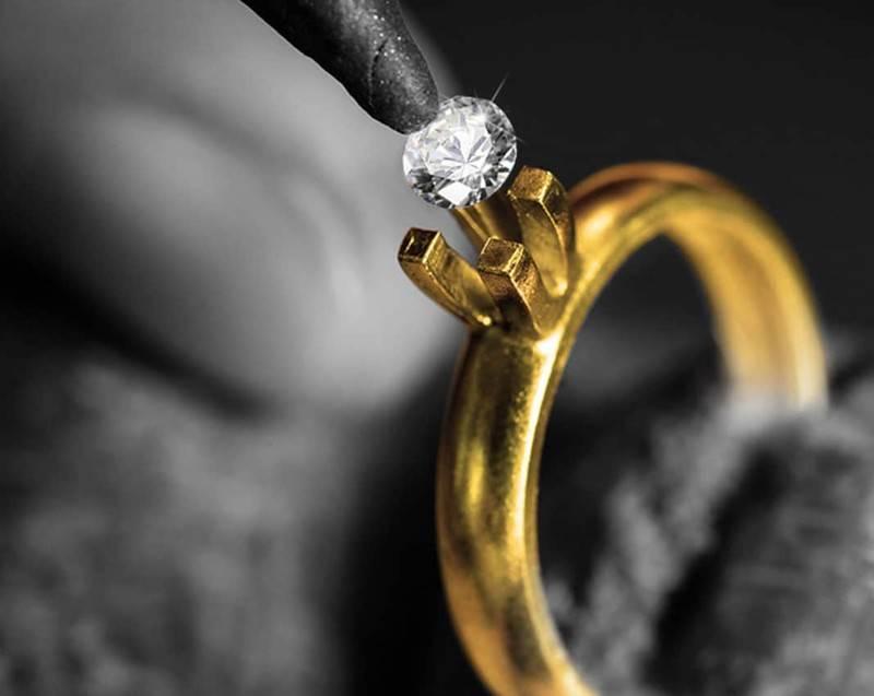 Если выпадает камень из кольца — к новому этапу в жизни или к неудаче