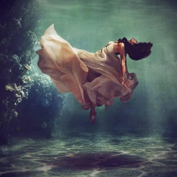 К чему снится тонуть в воде по соннику? видеть во сне, что тонете в воде – толкование снов.