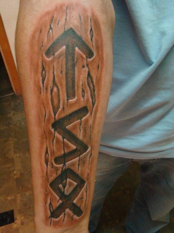 Славянские тату-обереги: значение символов для мужчин и женщин