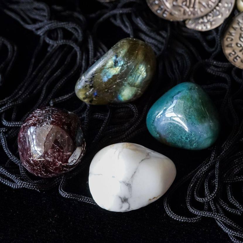 Как подобрать камни по магическим свойствам?
