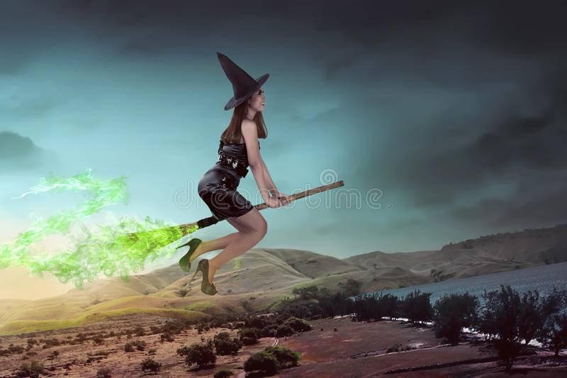 К чему снится ведьма на метле