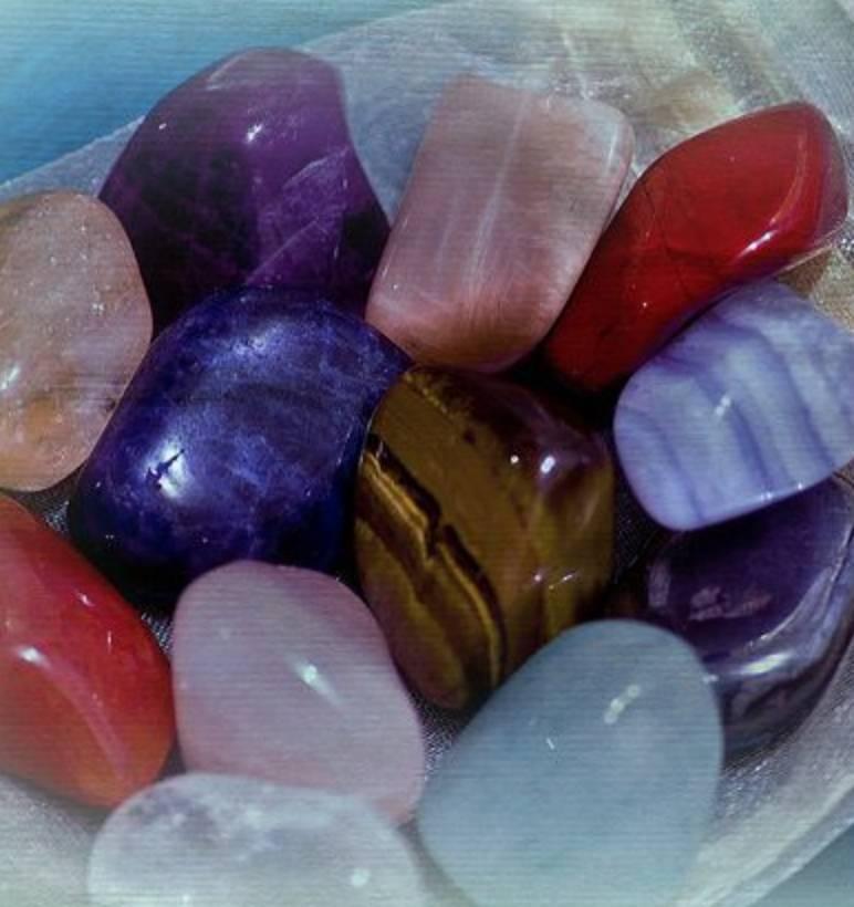Драгоценные камни по знакам зодиака: таблица соответствия камней по гороскопу