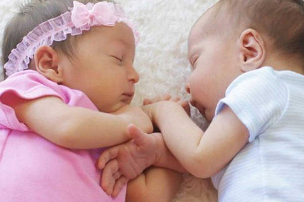 К чему снятся близнецы женщине или мужчине - толкование сна по сонникам