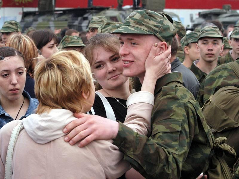 Проводы в армию: приметы, традиции и подарки