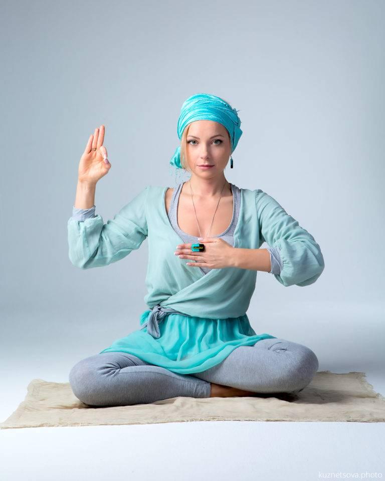 Йога для начинающих: осваиваем практику в домашних условиях