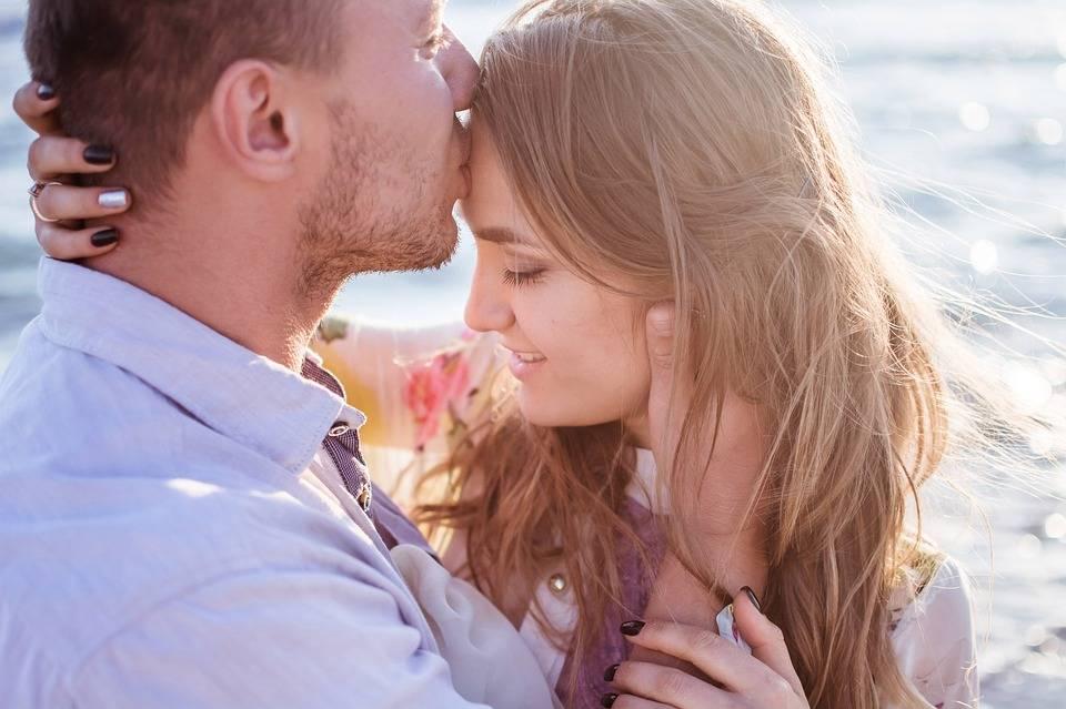 Как пробудить любовь в мужчине, используя психологию