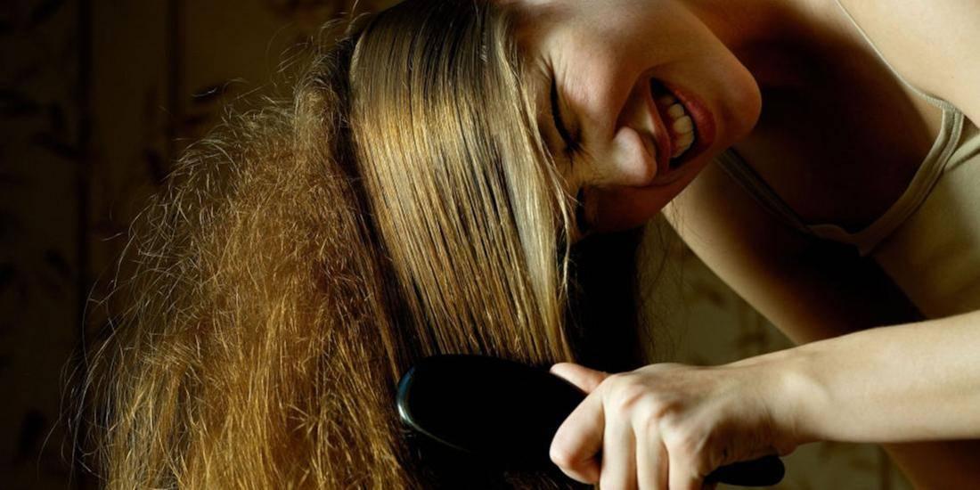 Мыть чистые длинные волосы
