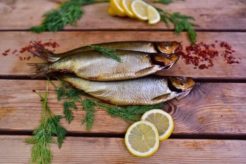 К чему снится копченая рыба, толкование сна по соннику