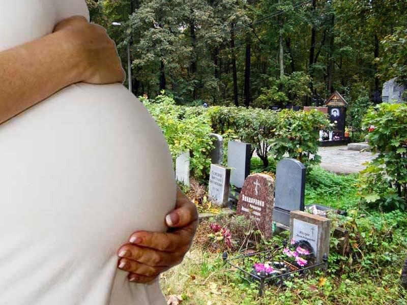 Что нельзя делать на похоронах и после похорон родственника: приметы