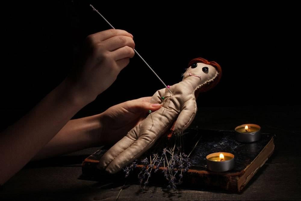 Как сделать куклу вуду на человека, своими руками, в домашних условиях.