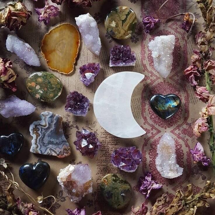 Камни талисманы: как правильно определить свой оберег?