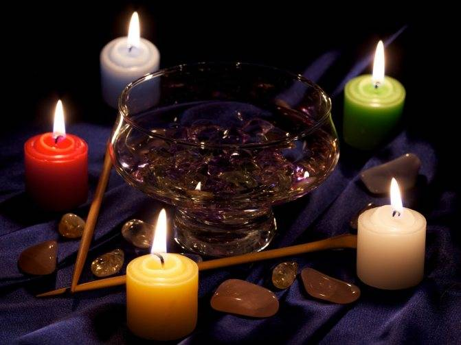 Гадание на церковной свечке. простые способы гаданий на свечах — на суженого, любовь и будущее