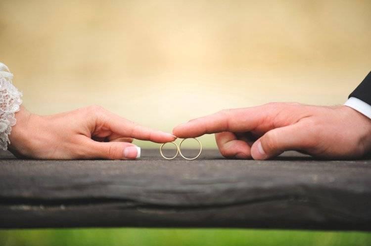 Приметы, суеверия и традиции на свадьбу для молодоженов и гостей