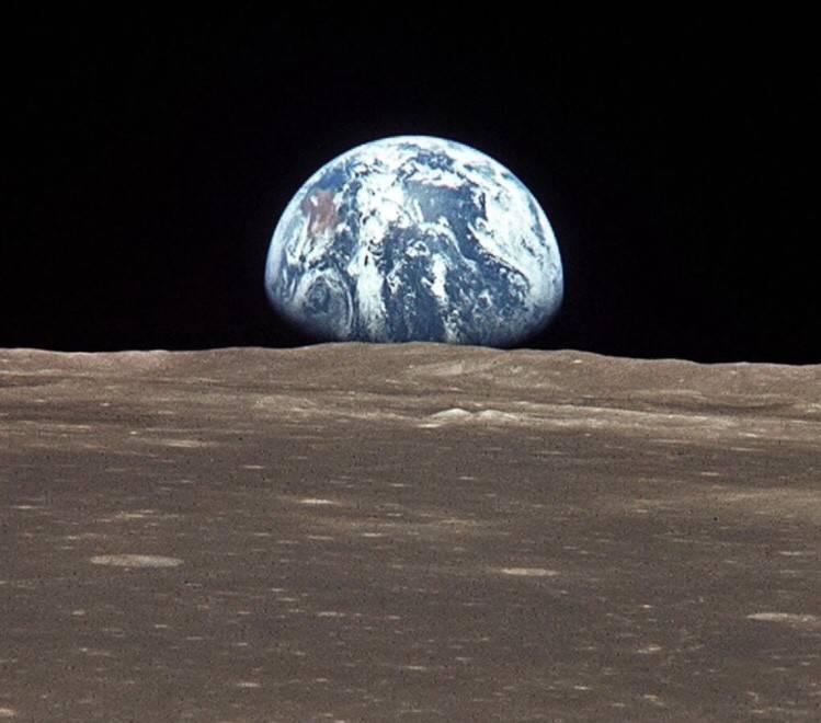 Тайна красной луны: почему так происходит и что означает это явление