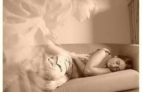 Кчему снится, что умершая мама умирает: подробное толкование