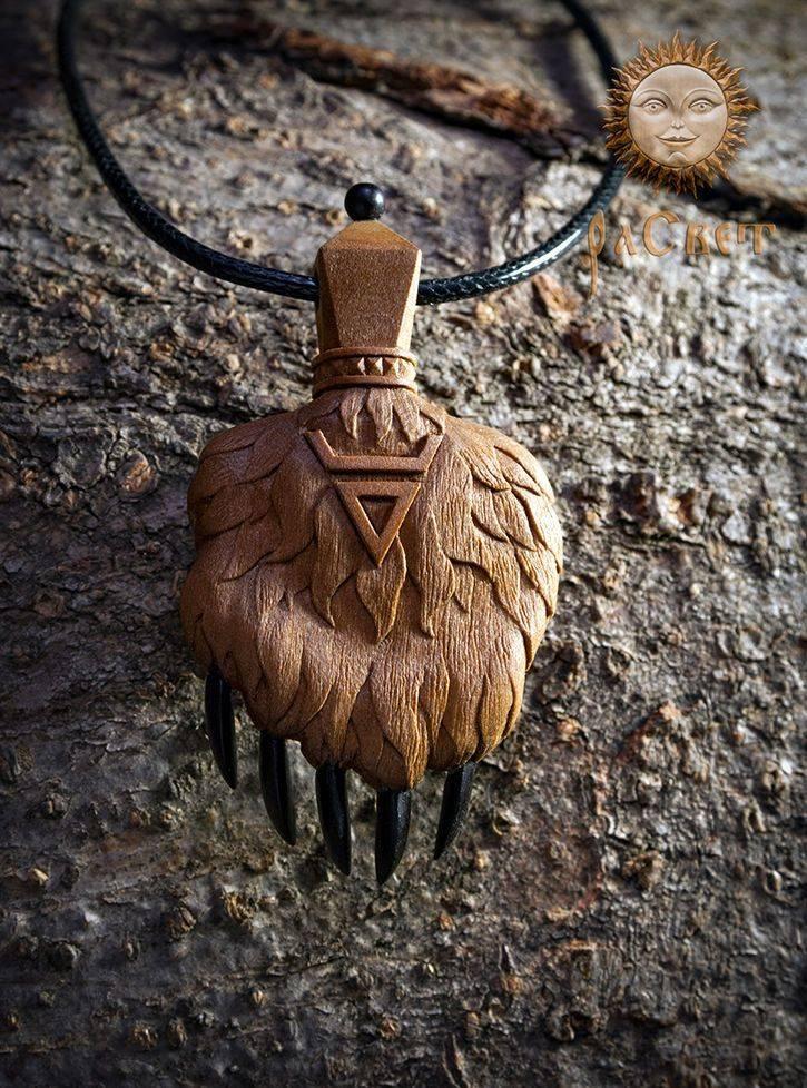 Сила и значение амулетов из дерева. способы изготовления