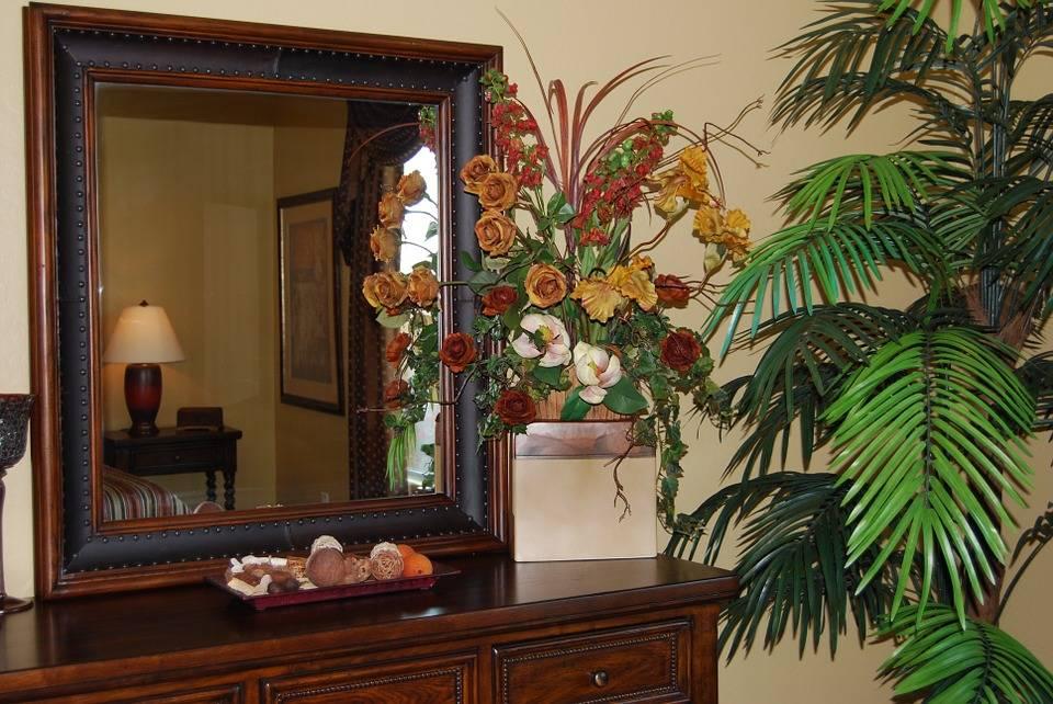 Зеркало по фен-шуй: в квартире в комнату, где нельзя его вешать, как вешать на кухне